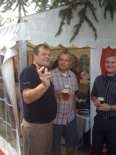 A beer in the sun for Dan Taxbøl before all the guests arrive